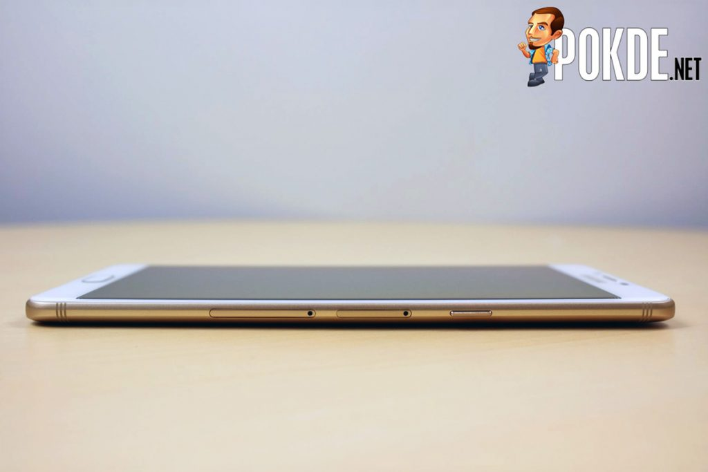 Samsung Galaxy C9 Pro Review - Largely Capable! 26