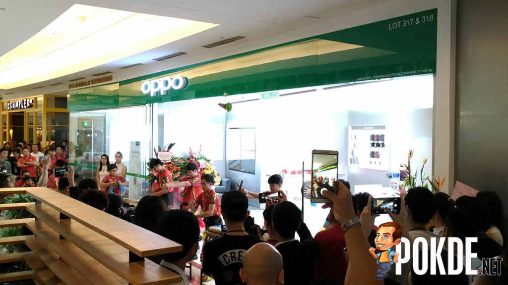 OPPO's first Southeast Asia Flagship Store opens in Suria KLCC; Laser-engraving now offered to all OPPO mobile devices! 23