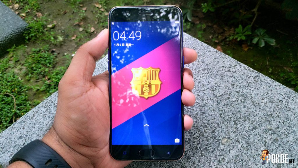[EXCLUSIVE]Hands on with the OPPO R11 FC Barcelona Edition; do you bleed red (and blue)? 30