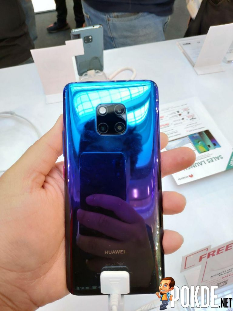 Huawei Mate 20 Series Officially Arrives In Malaysia - Massive crowds gathered for device's first day sales 33