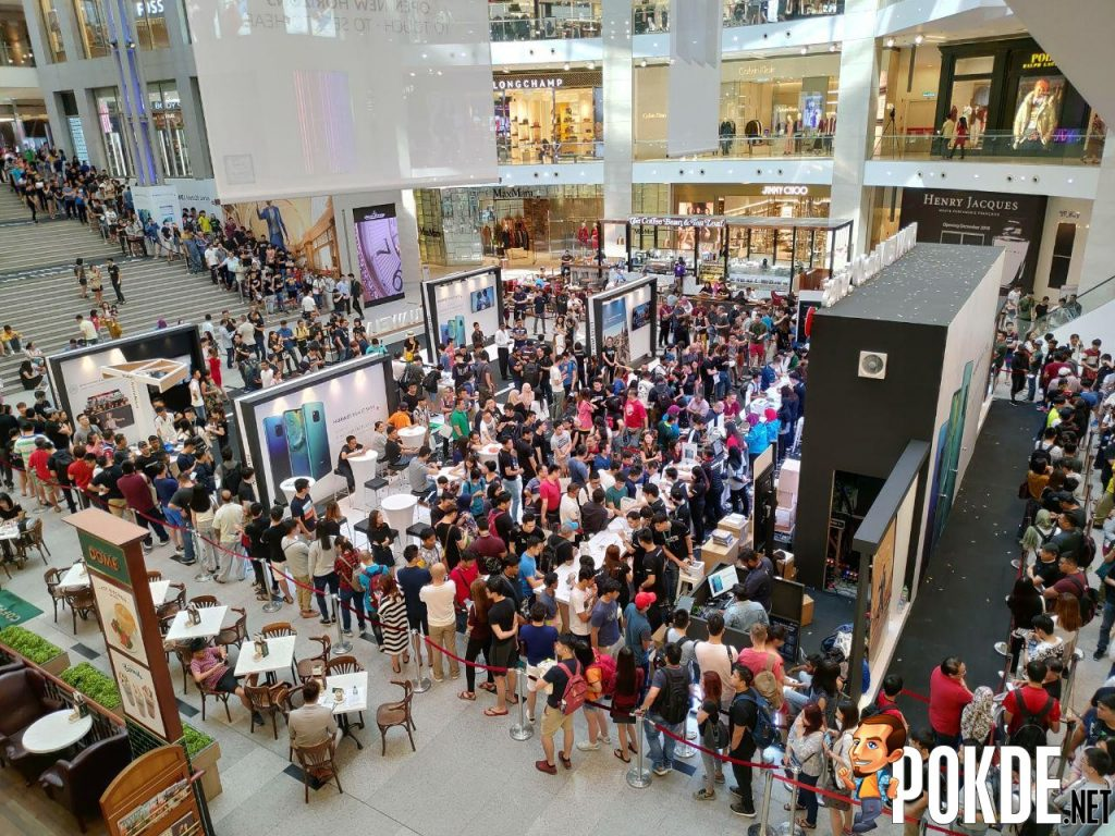 Huawei Mate 20 Series Officially Arrives In Malaysia - Massive crowds gathered for device's first day sales 28