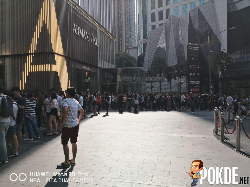 Huawei Mate 20 Series Officially Arrives In Malaysia - Massive crowds gathered for device's first day sales 25
