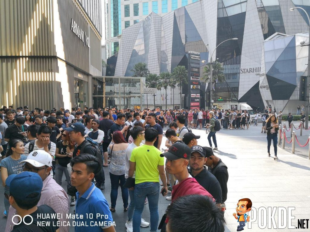 Huawei Mate 20 Series Officially Arrives In Malaysia - Massive crowds gathered for device's first day sales 23