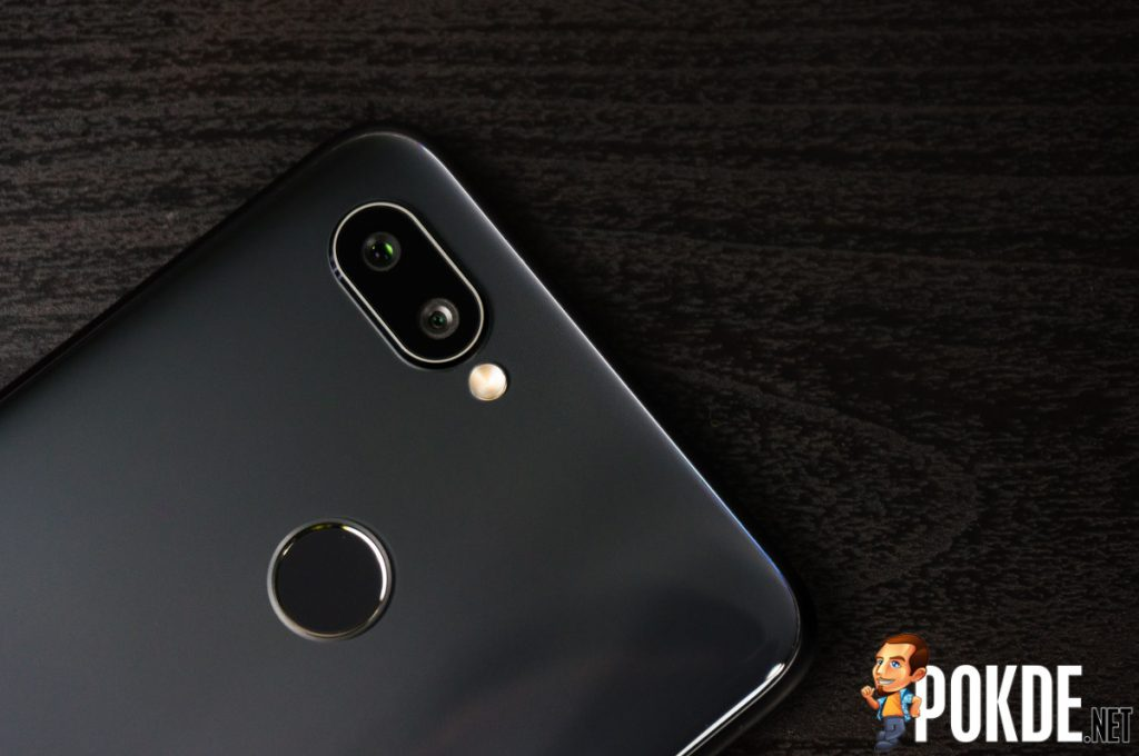 Is the Realme 2 Pro the perfect device for the youthful you? 30