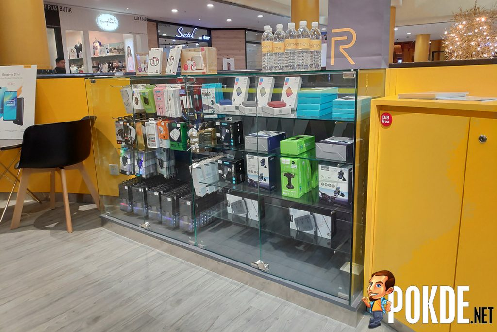 Realme Image Store opens at Sunway Pyramid — you can now experience the Realme 2 Pro and buy it offline! 22