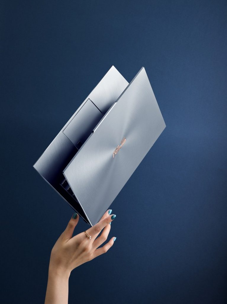 [CES2019] ASUS ZenBook S13 UX392 with the World's Thinnest Display Bezels 29