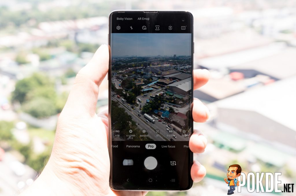 The Samsung Galaxy S10's intelligent cameras help you take better photos 29