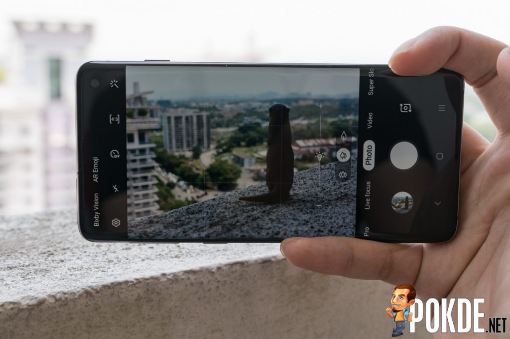 The Samsung Galaxy S10's intelligent cameras help you take better photos 32