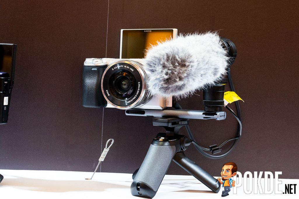Sony refocuses on vlogging with the new Sony RX0 II and Sony A6400 cameras 23