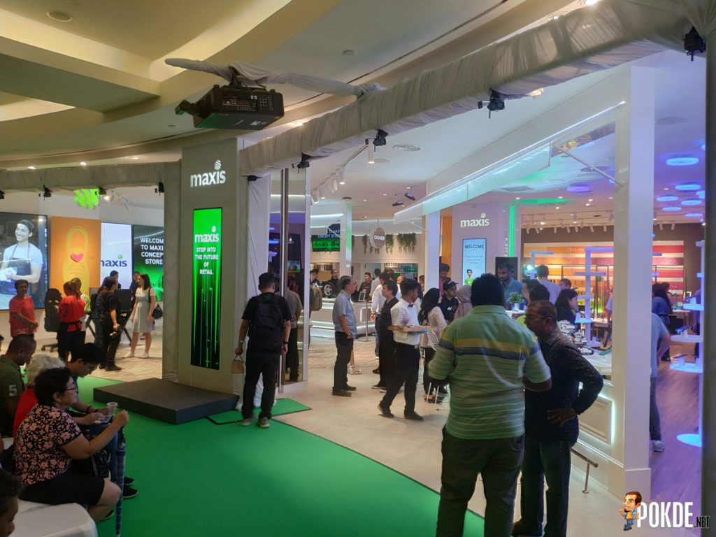 Maxis' First-of-its-kind Concept Store Launched At The Gardens 26