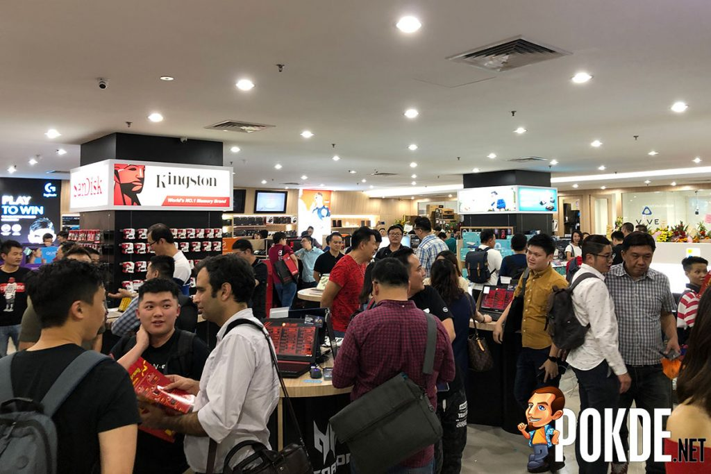 Gloo's biggest store officially opened in Plaza Low Yat, KL 23