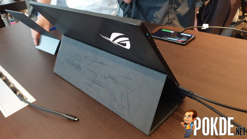 [Computex 2019] ASUS introduces the ROG Strix XG17 - World's first Portable Gaming Monitor 22