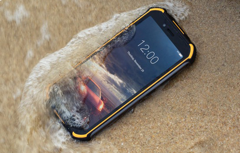 Here's A Rugged Smartphone That You Can Charge Underwater 24