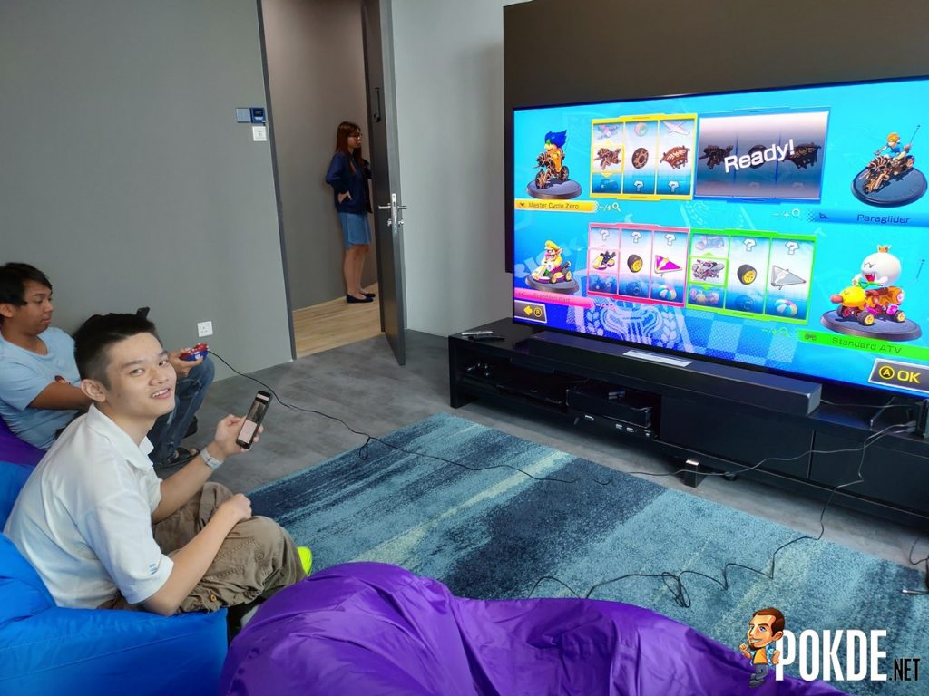 "Hands-On with the Samsung Q900R 82"" 8K QLED TV - Luxury Gaming Experience 25"