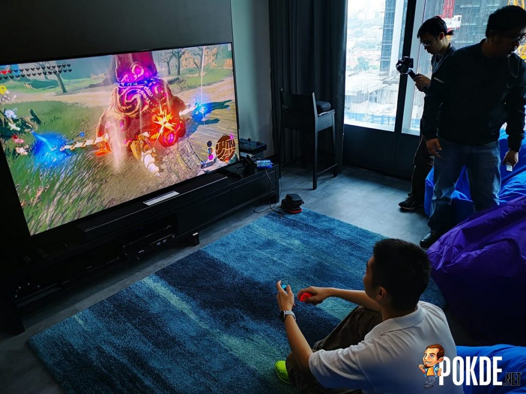"Hands-On with the Samsung Q900R 82"" 8K QLED TV - Luxury Gaming Experience 23"
