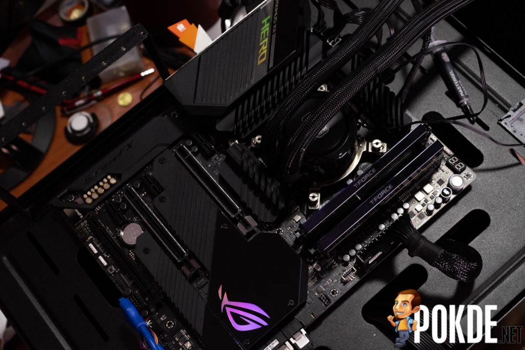 ASUS ROG Maximus XII Hero (WiFi) Preview — unboxing and a peek at the VRMs 23