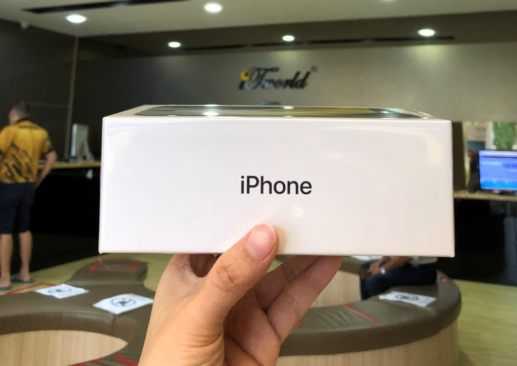 There is A Special Trade-In Program for the New Apple iPhone SE in Malaysia Right Now 25