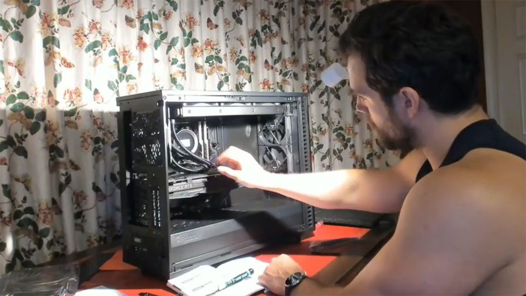 Superman built his own PC! Here's a guide to build your own Superman rig too! 21