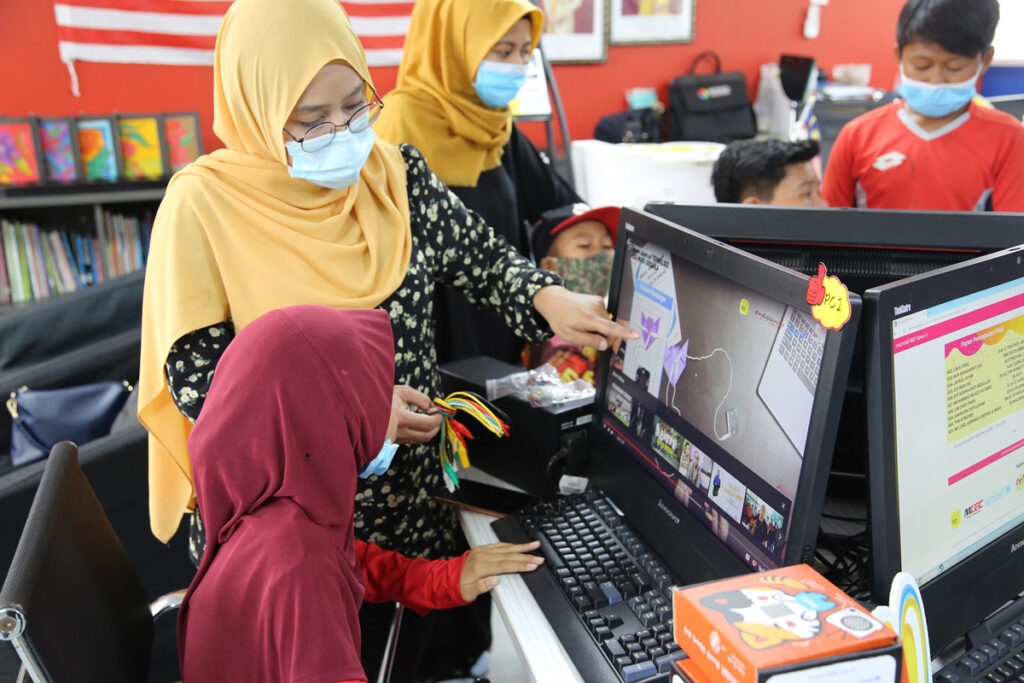 Digi Helps The Underprivileged Community By Distributing micro:bit Sets For Skills Learning 27