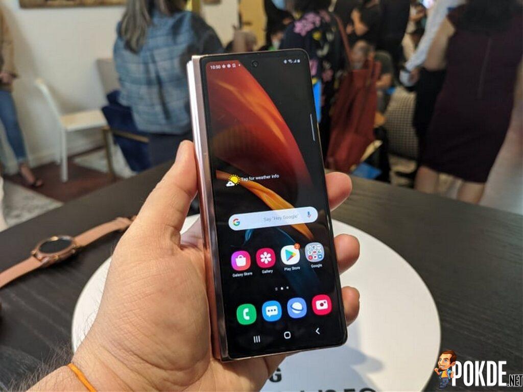 Samsung Galaxy Z Fold2 closed