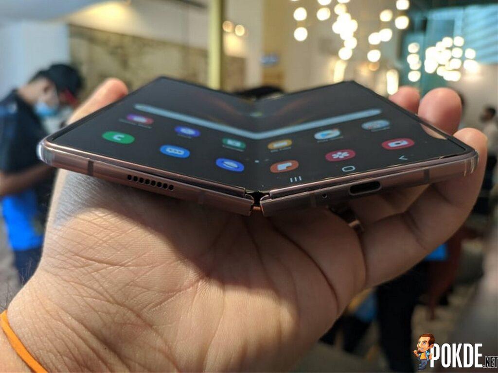 Samsung Galaxy Z Fold2 hinge