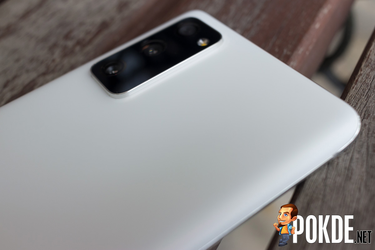 Samsung Galaxy S20 FE Review — The Samsung Smartphone We've Been Waiting For 35
